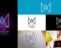 logotipo minimalista. logotipo personal andrea muñoz