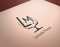 Leonardo Mousse Logotipo