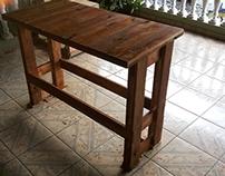 Móveis de madeira reaproveitada (Pallets)