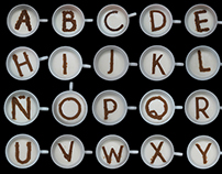 Tipografía hecha con café sobre leche.