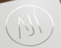 Aji - diseño sobre la mesa