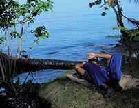 Bulevar, lago y petróleo