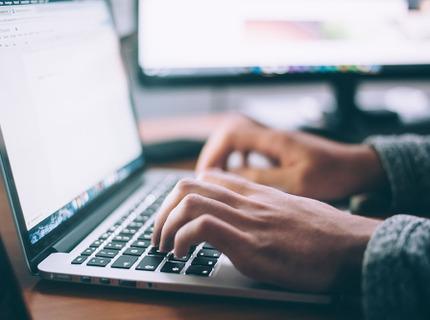 ¿Necesitas crear el contenido tu blog o sitio web?