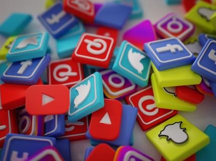 Redes Sociais com visual Profissional