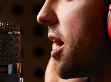 Narración Voice Over en Español de España