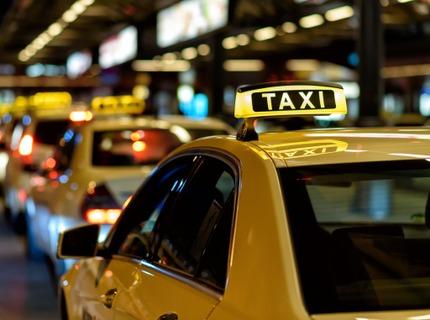 Taxis, autos, maneje su propio sistema